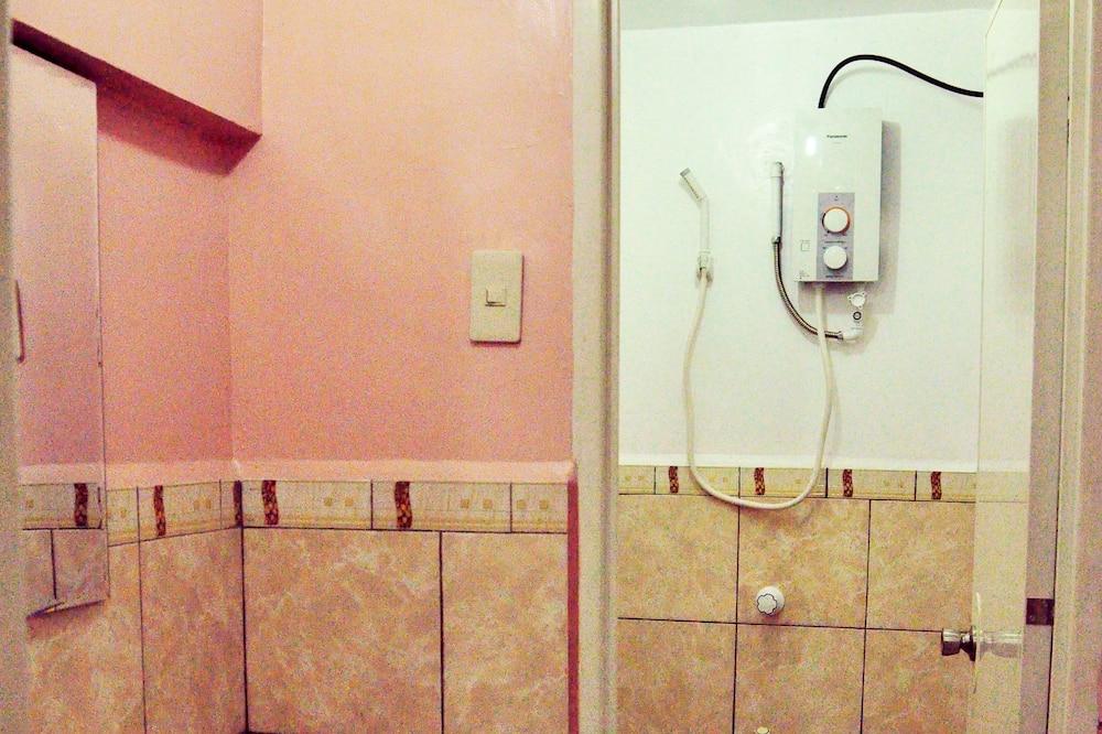Liukso klasės kambarys (Matrimonial) - Vonios kambarys