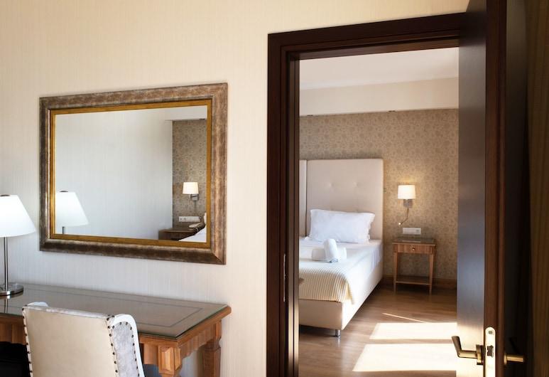كاراليس سيتي هوتل, بيلوس نيستوراس, Family Room (Deluxe), غرفة نزلاء