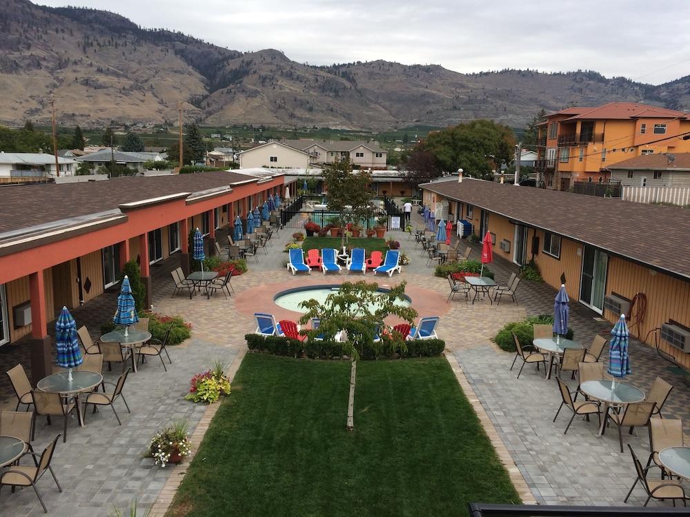 Sahara Courtyard Inn Osoyoos