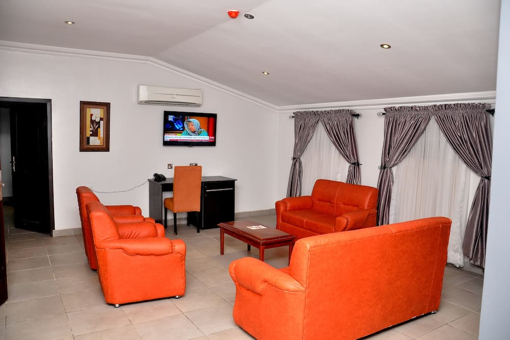 Presidential Suite, City View - Living Area