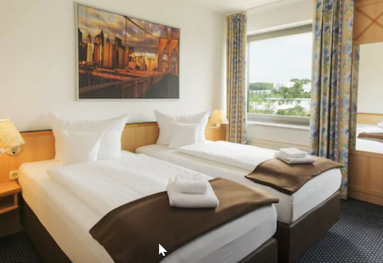 Hotel Near By, Laatzen, Standard Double Room, Guest Room