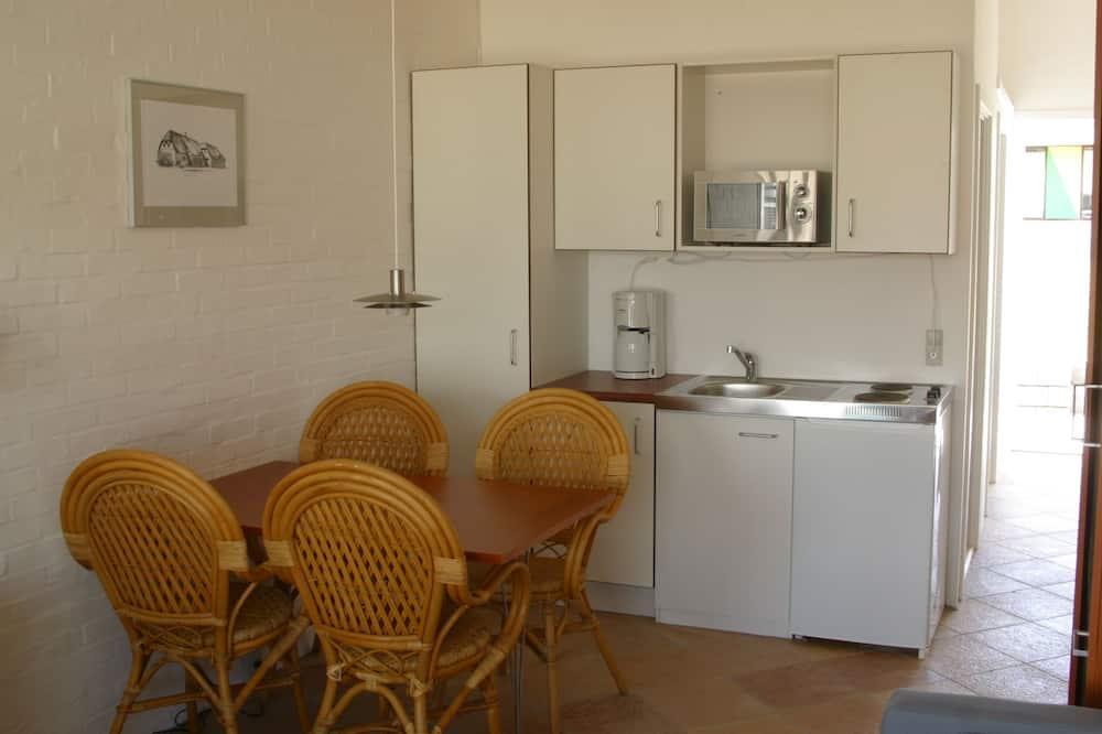 Huoneisto, Keittiö (Linen & Electricity excluded) - Ruokailu omassa huoneessa