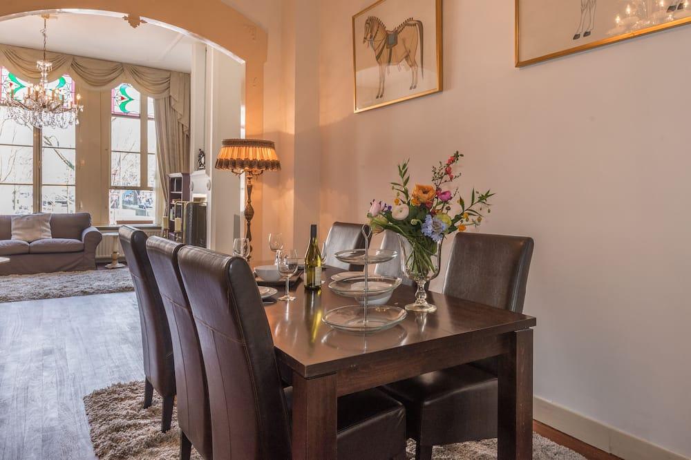 Apart Daire, 2 Yatak Odası, Kanal Manzaralı - Odada Yemek Servisi