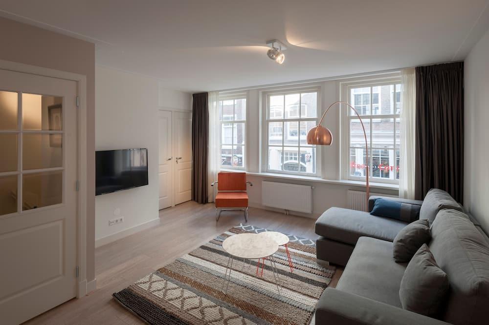 Luxury Apartment, 3 Bedrooms, City View (Berenstraat 5B) - Living Room