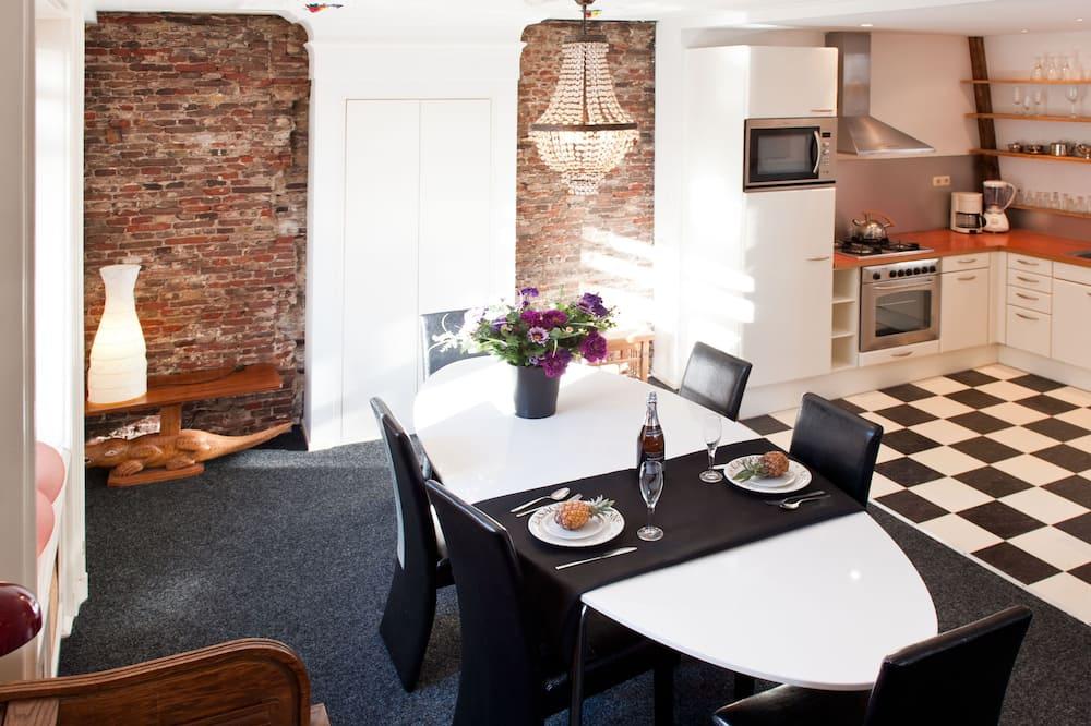 Appartement, 1 slaapkamer, Balkon, Uitzicht op het water (Sloterkade) - Eetruimte in kamer