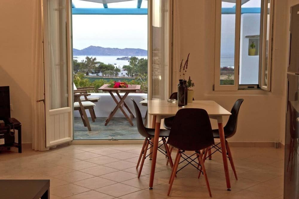 Superior Villa, 1 Bedroom, Sea View, Private Outdoor Jacuzzi - Sala de estar