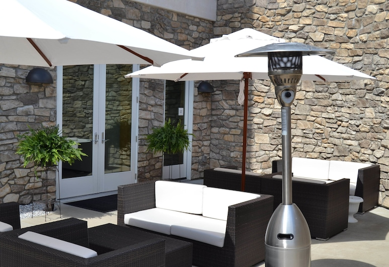 Lenape Heights Golf Resort, Ford City, Terrace/Patio