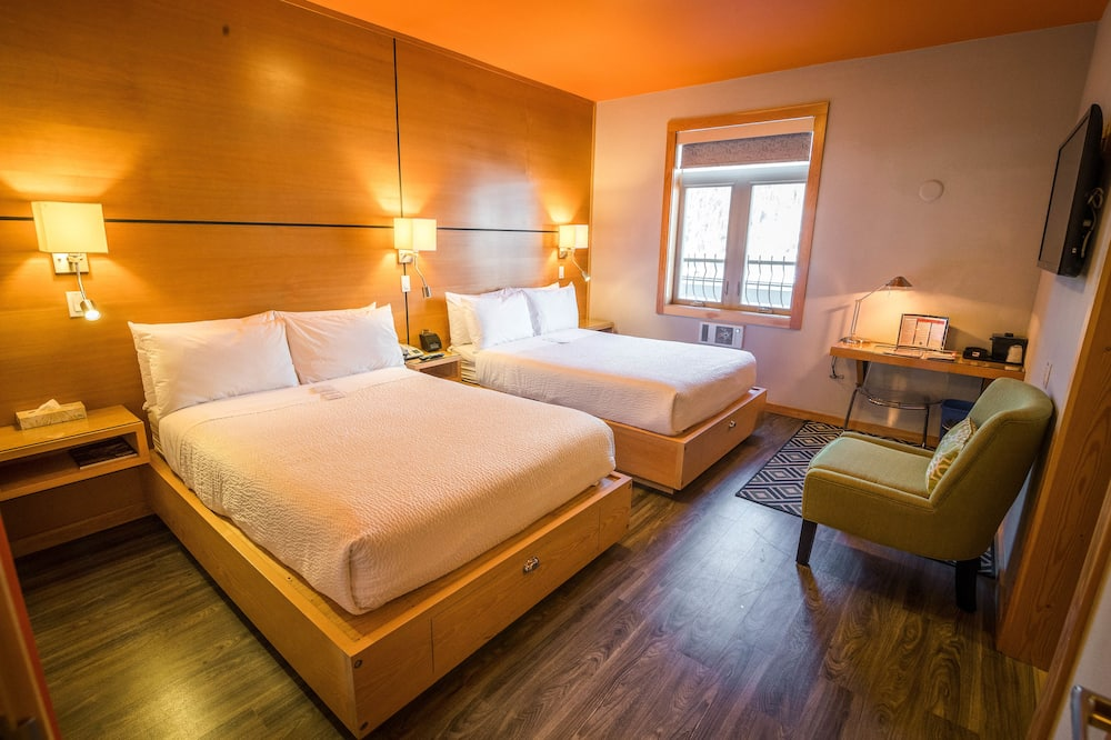 Deluxe Quadruple Room, 2 Double Beds, Mountain View - Guest Room