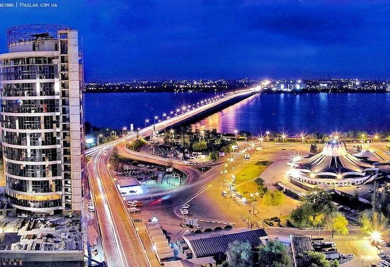 Most City Apart-Hotel, Ντνίπρο, Πρόσοψη καταλύματος - βράδυ