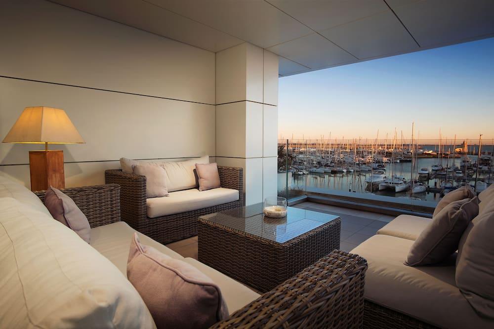 Apartment, 3 Bedrooms, Ocean View - Terrace/Patio