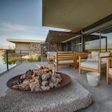 Two Bedroom Deluxe Villa Garden View - Balcony