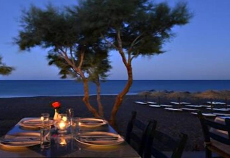 Okeanis Beach, Santorini, Outdoor Dining