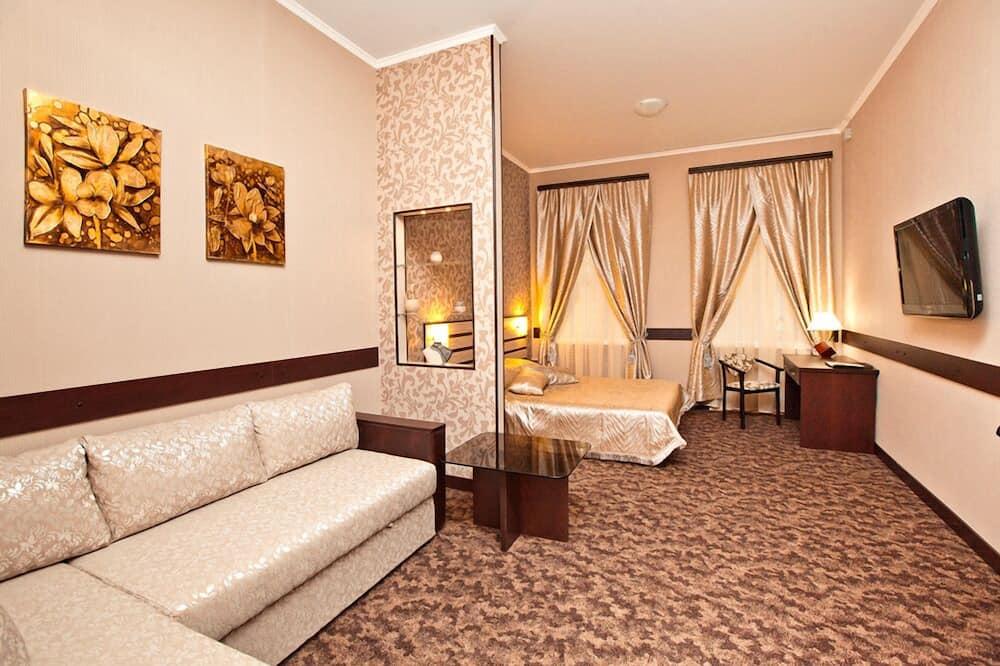 סוויטה קלאסית, מיטה זוגית וספה נפתחת - אזור מגורים