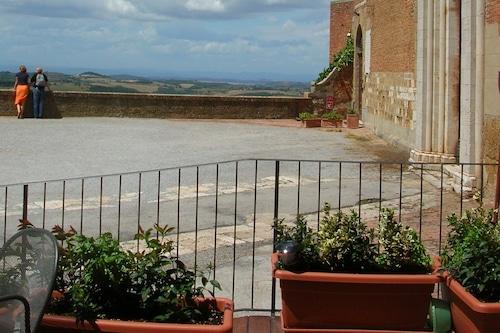 圣弗朗西斯科洛坎达酒店/