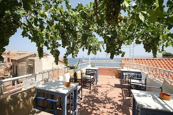 Picture of Nostos Hotel in Chania