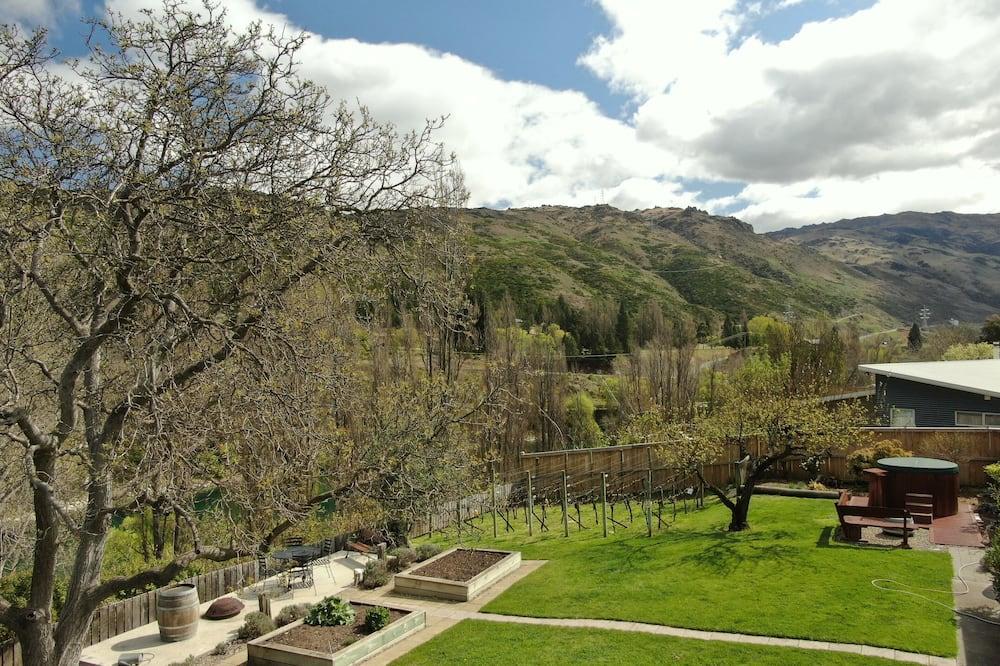 Comfort Studio Suite, 1 Bedroom, Kitchenette, Mountain View - Mountain View
