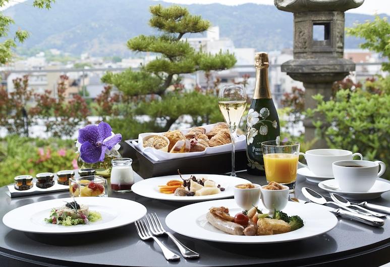 京都麗思卡爾頓酒店, Kyoto, 室外用餐