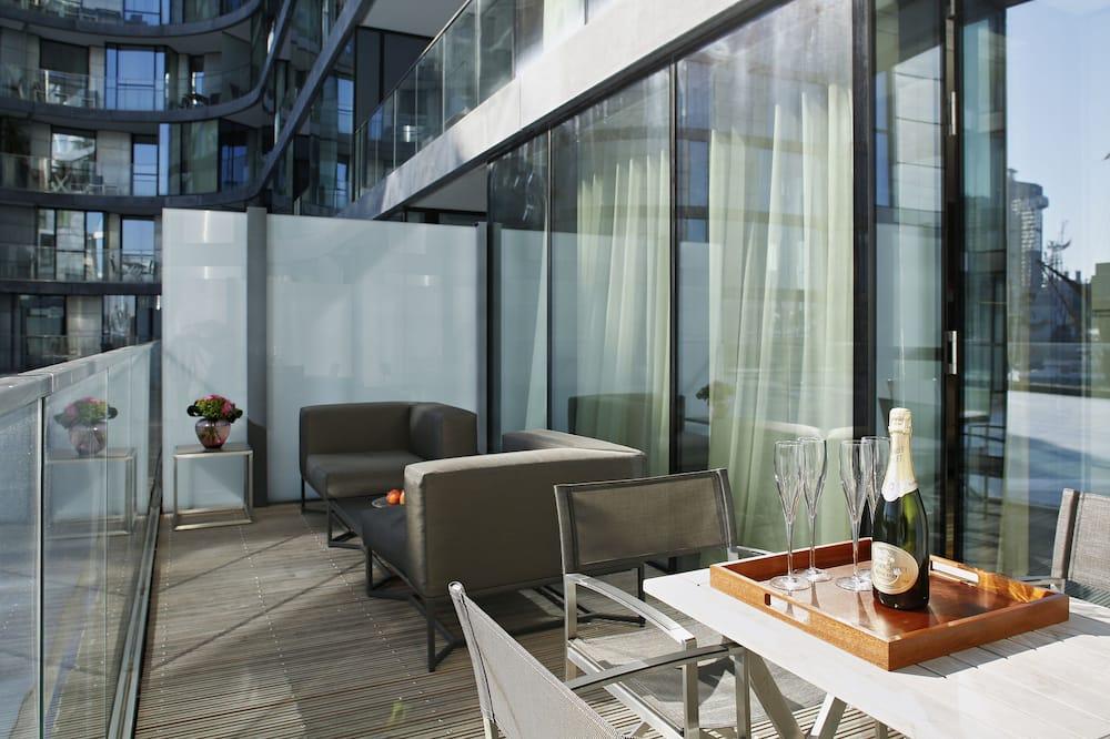 Luxury Apartment, 1 Bedroom, River View - Balcony