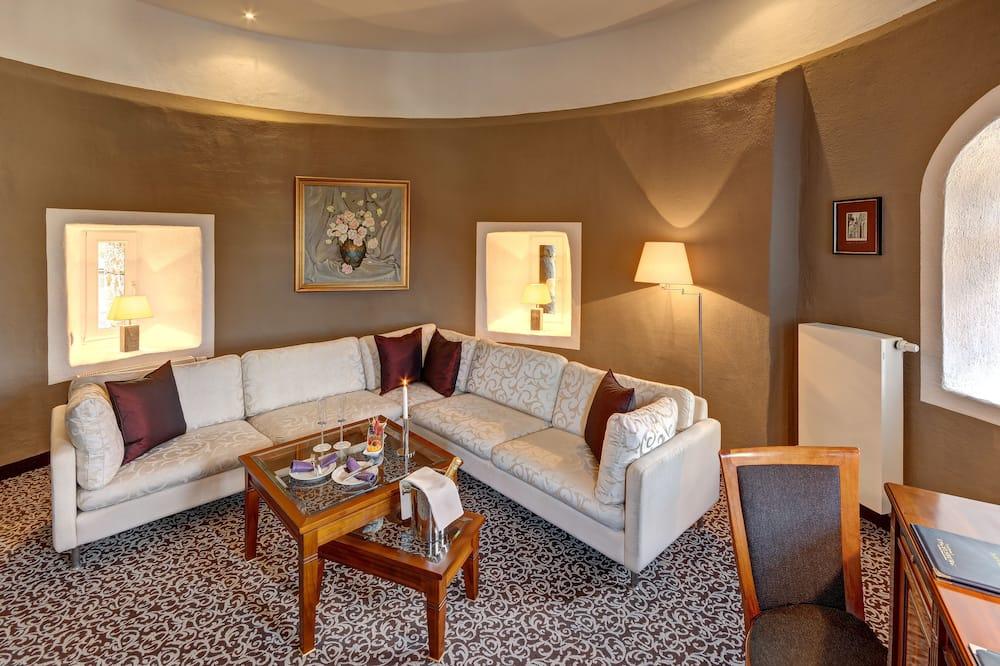 Deluxe Room, 1 Double Bed - Living Room
