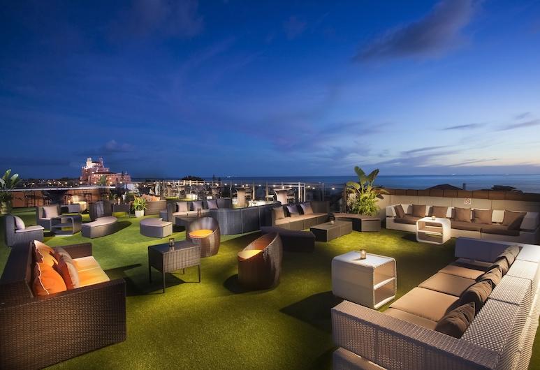 The Hotel Zamora, St. Pete Beach, Hotelski bar
