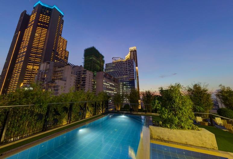 Y2 Residence Hotel, Makati, Hồ bơi tại sân thượng