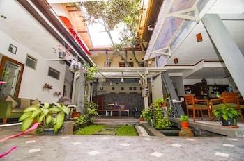 Foto Rumah Asri Bed And Breakfast di Bandung