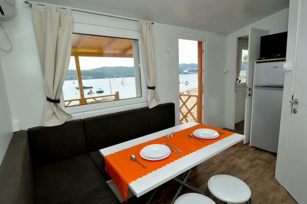 Premium Mobile Home, 2 Bedrooms, Terrace - In-Room Dining