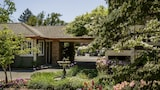Reserve this hotel in Glen Ellen, California