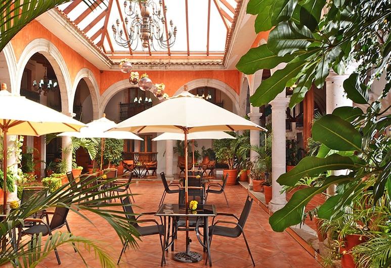 Mision Pátzcuaro Centro Histórico, Patzcuaro, Outdoor Dining