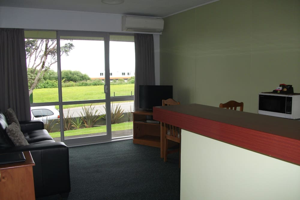Apartment, 1 Bedroom (Share Twin) - Living Area