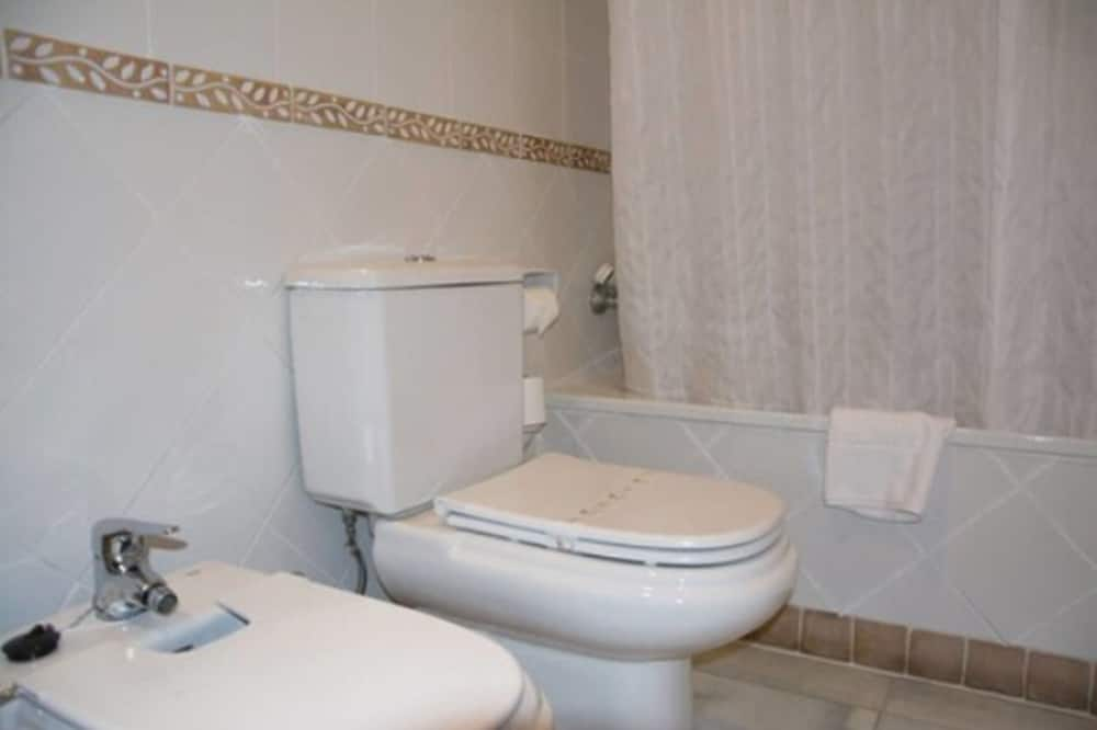 Doppelzimmer (Mezquita View) - Badezimmer