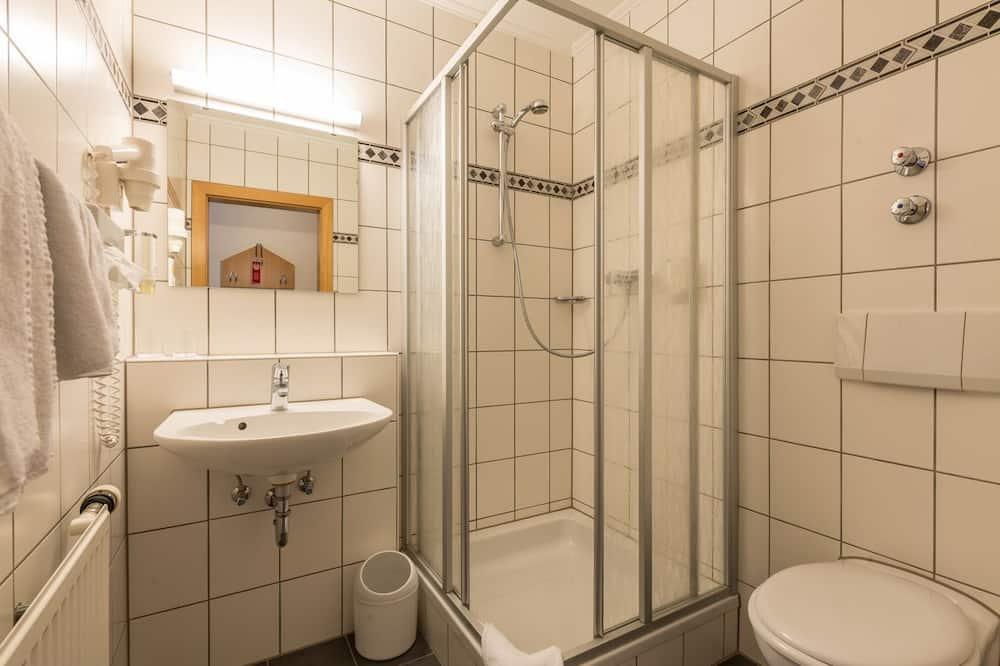 Standard - yhden hengen huone, 1 keskisuuri parisänky - Kylpyhuone