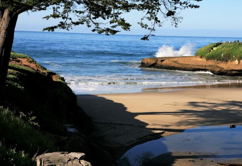 Ocean Echo Inn and Beach Cottages, Santa Cruz, Plaža