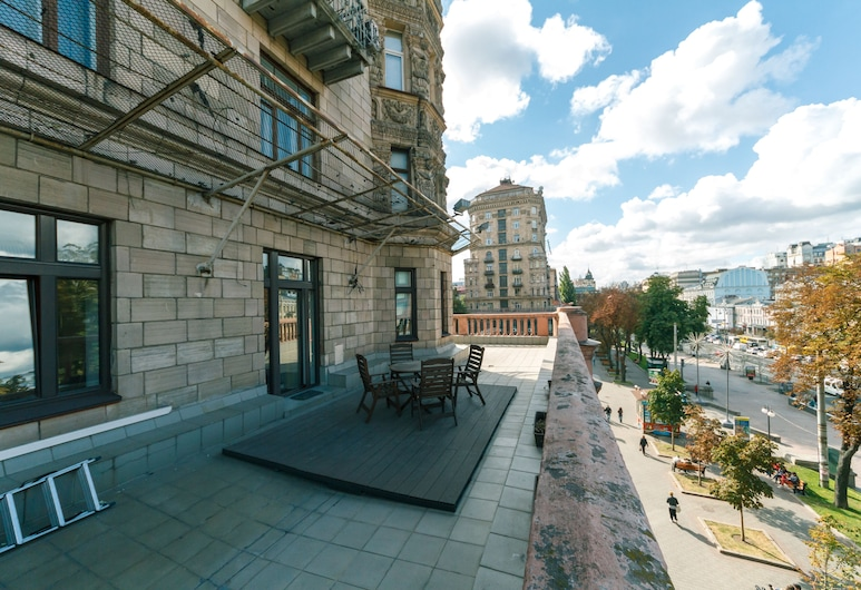 Almateya Apartments, Kyiv, Deluxe appartement, 2 slaapkamers, terras (23 Kreshatyk street), Terras