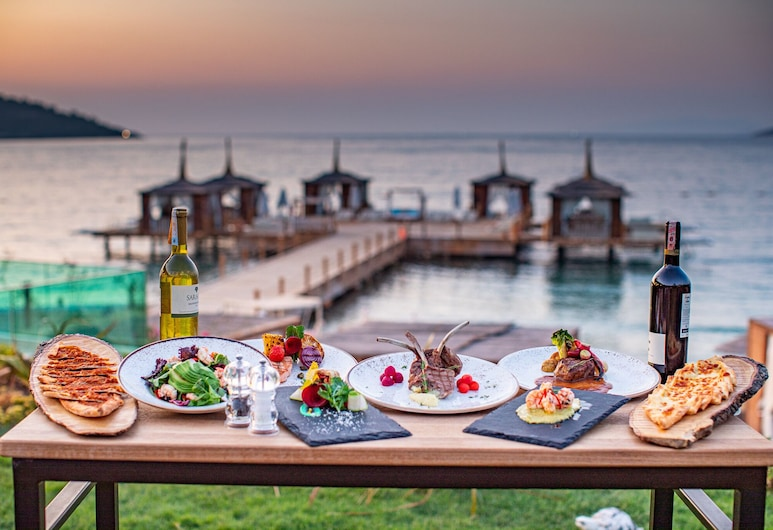 Vogue Bodrum Hotel & Resort All Inclusive, Bodrum, Açık Havada Yemek