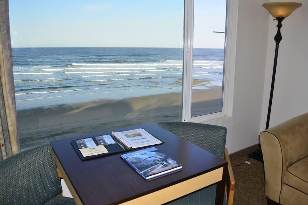 Standard Room, 1 King Bed, Oceanfront - Guest Room View