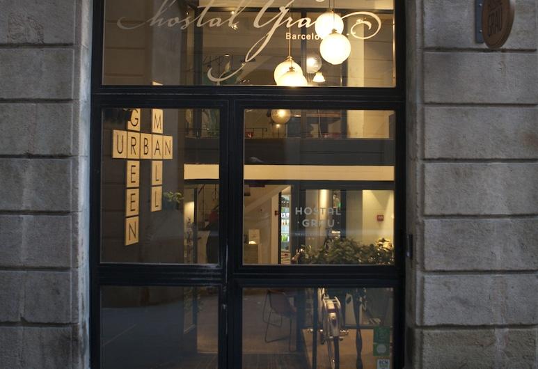 Eco Boutique Hostal Grau, ברצלונה, הכניסה למלון
