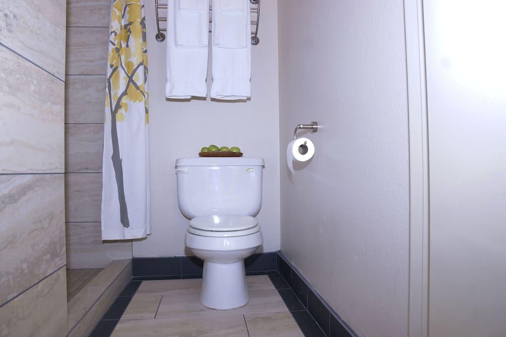 ห้องสแตนดาร์ด, เตียงใหญ่ 1 เตียง - ห้องน้ำ