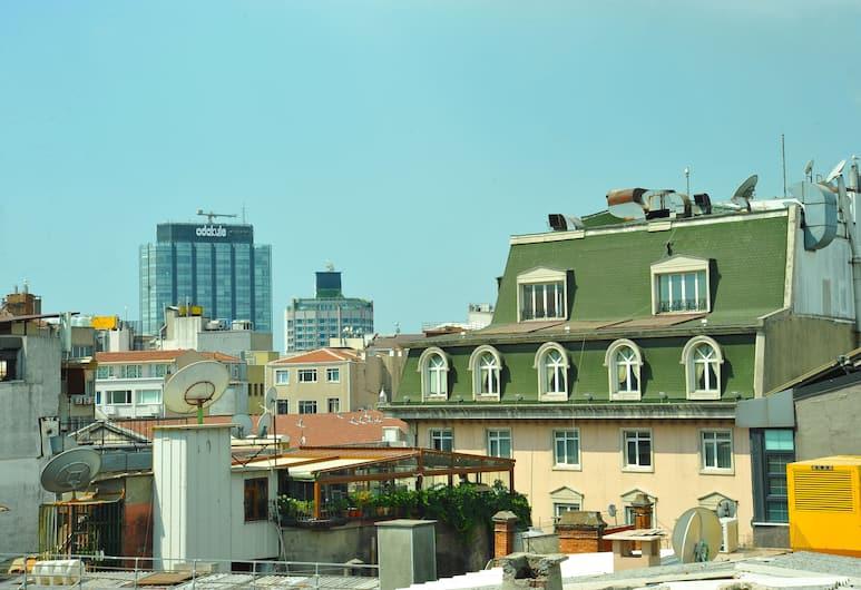 Sarajevo Taksim Hotel, Istanbul, Chambre Quadruple Exécutive, terrasse, Vue depuis la chambre