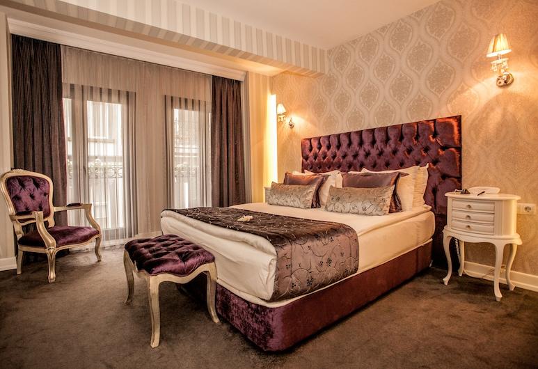 盧卡迪佩拉飯店, 伊斯坦堡