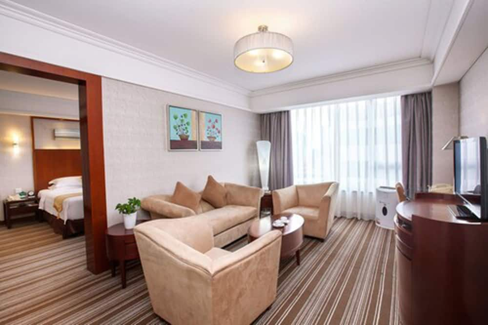 Executive Deluxe Suite - Guest Room