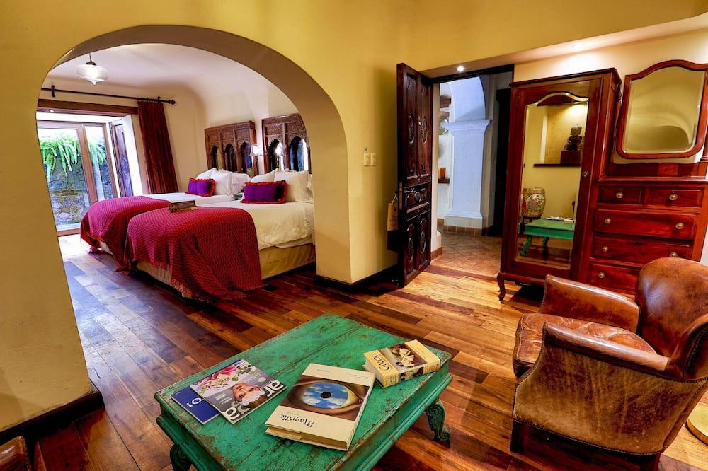 Standartinio tipo kambarys, 2 standartinės dvigulės lovos - Svetainės zona