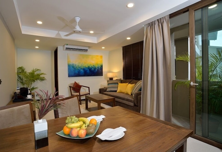 The Somerset Hotel, Malé, Business Deluxe suite  room with breakfast and airport transfer, Zimmer