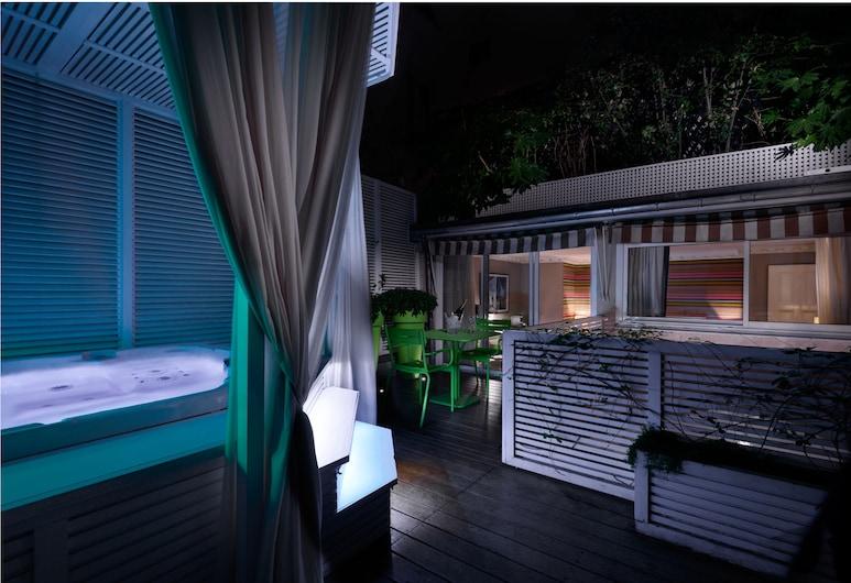 Le Mathurin Hotel & Spa, Paris, Privilege Room , Terrace/Patio