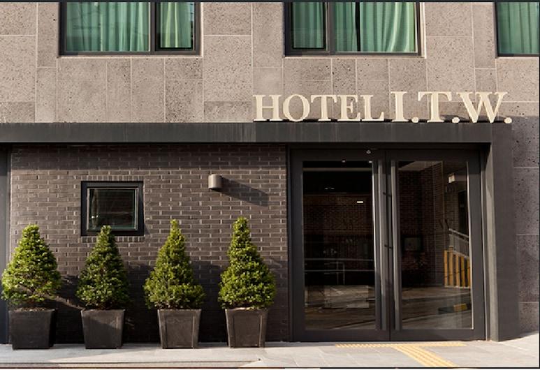 アイ ティー ダブリュー ホテル, ソウル