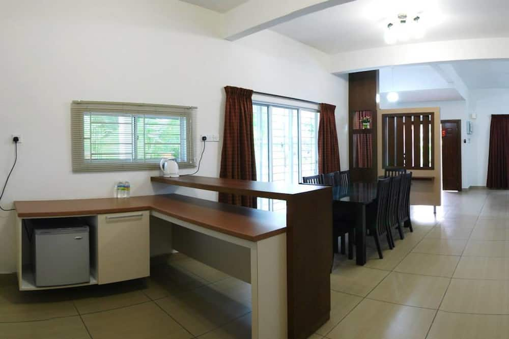 2 Bedroom, Double Storey House (Breakfast Served at Hotel's Cafe) - Mini Refrigerator