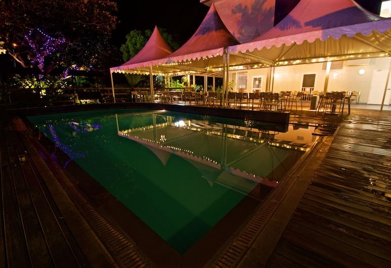 Gazelle International Hotel, Kokopo, Außenpool
