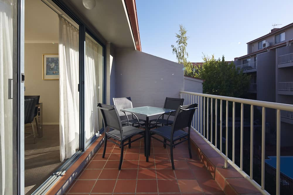 Four Bedroom Deluxe Apartment (2nd Floor - Stairs Only) - Balcony