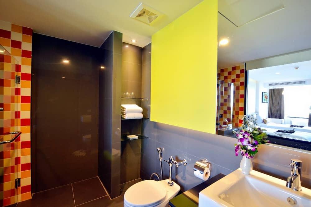 Deluxe Tek Büyük veya İki Ayrı Yataklı Oda, Balkon - Banyo