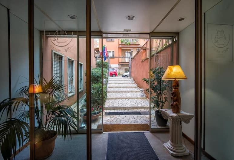 Ponte Bianco Hotel & Residence, Rome, Interior Entrance